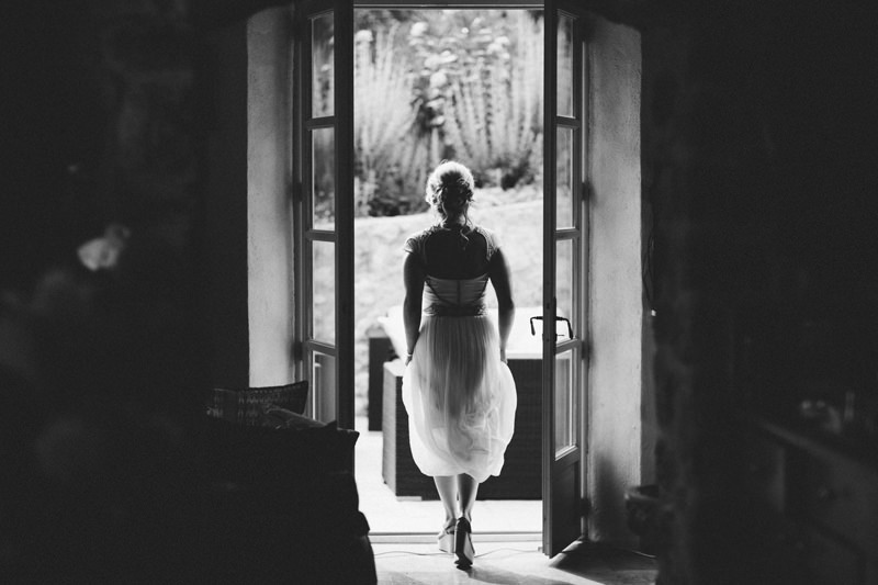 documentary destination wedding photographer provence