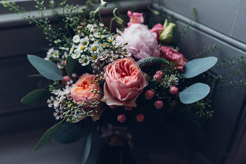 peach peony daisy bridal bouquet