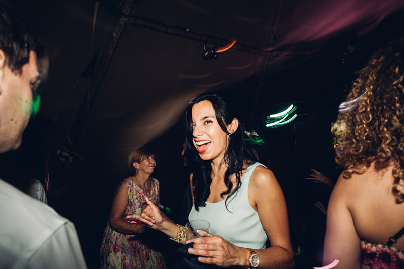 contemporary wedding photograher