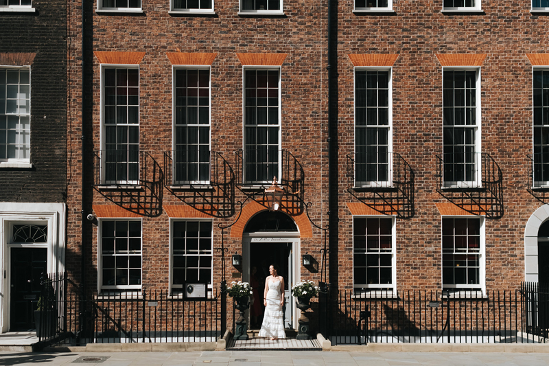 contemporary london wedding photographer