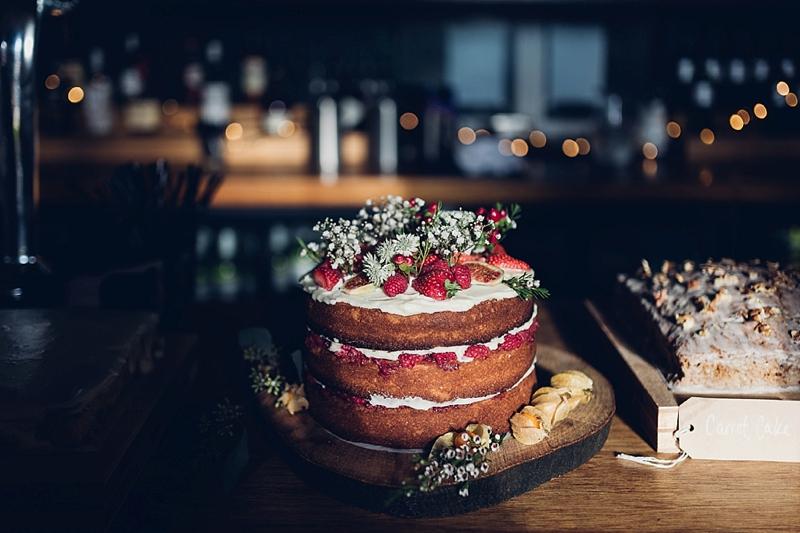 East_London_pub_wedding_naked_cake