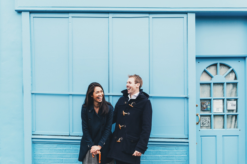 relaxed london engagement photographer