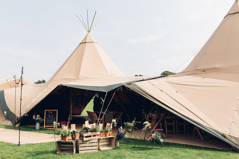 wedding tipi