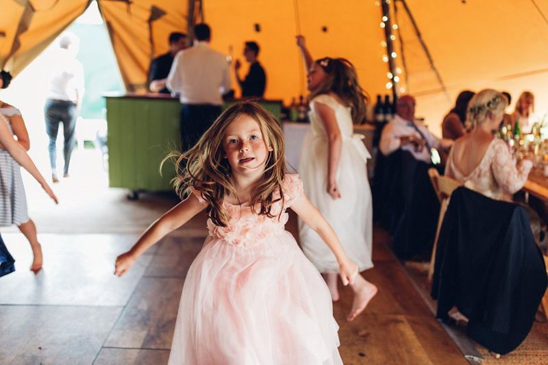 reportage wedding photographer uk