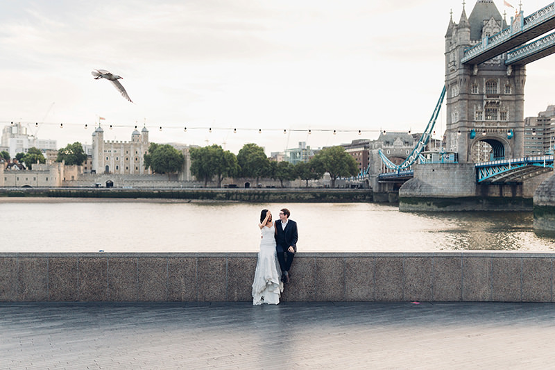 tower bridge wedding photographer