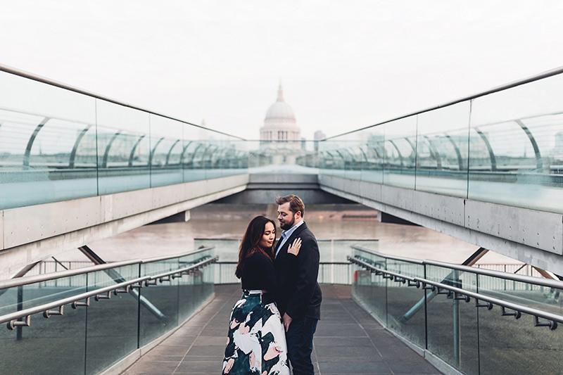 millennium bridge wedding photographer