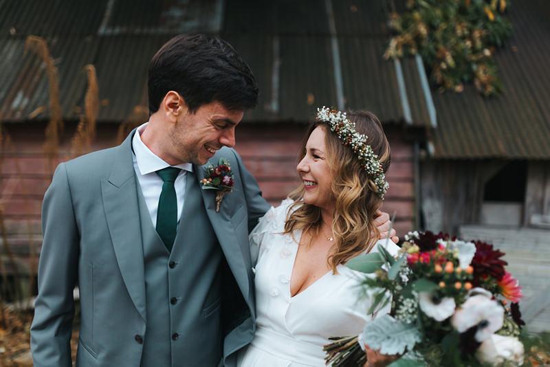 relaxed london wedding photographer missgen