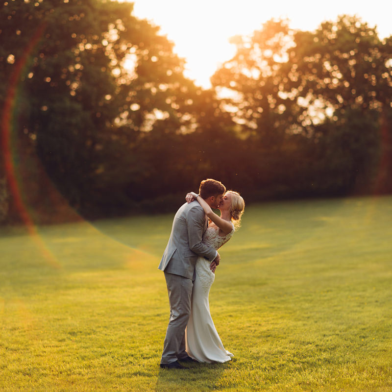 natural authentic wedding photography