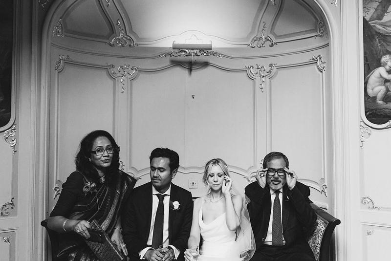 modern reportage wedding photographer