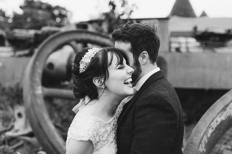 natural documentary style wedding photographer