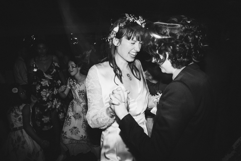 dance party photos by london wedding photographer Miss Gen