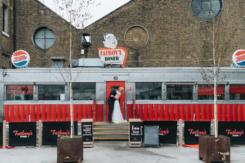 contemporary london wedding photographer