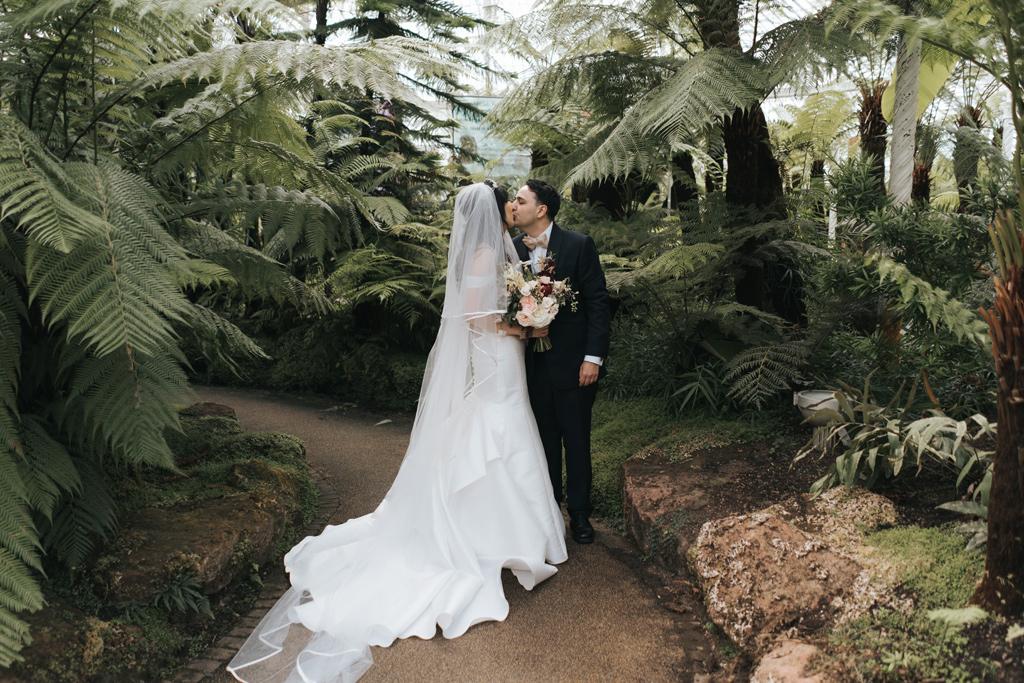 botanic garden wedding photographer