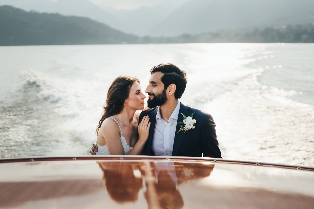 relaxed modern elopement photographer