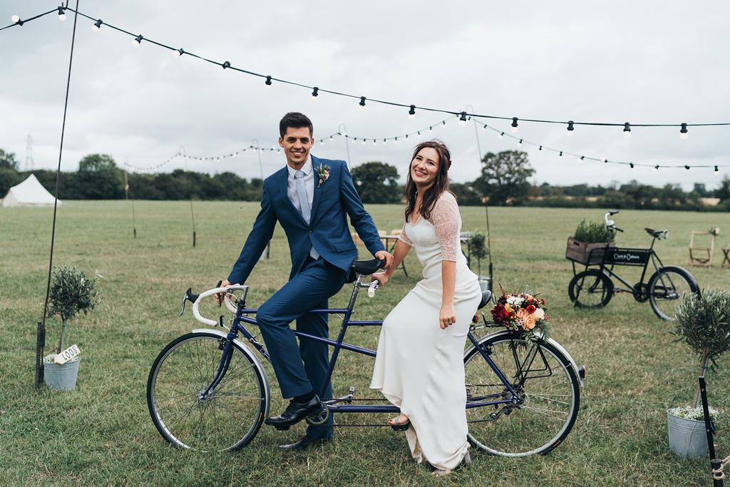 bride groom tandem bicycle