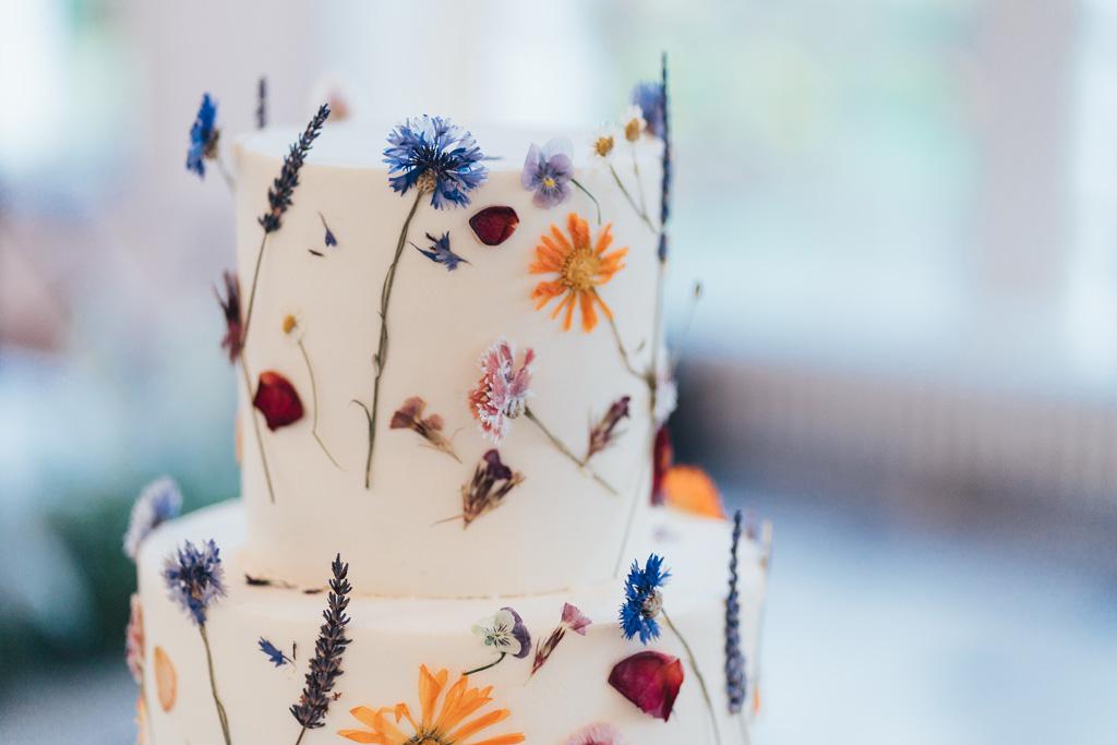minimal botanical wedding cake