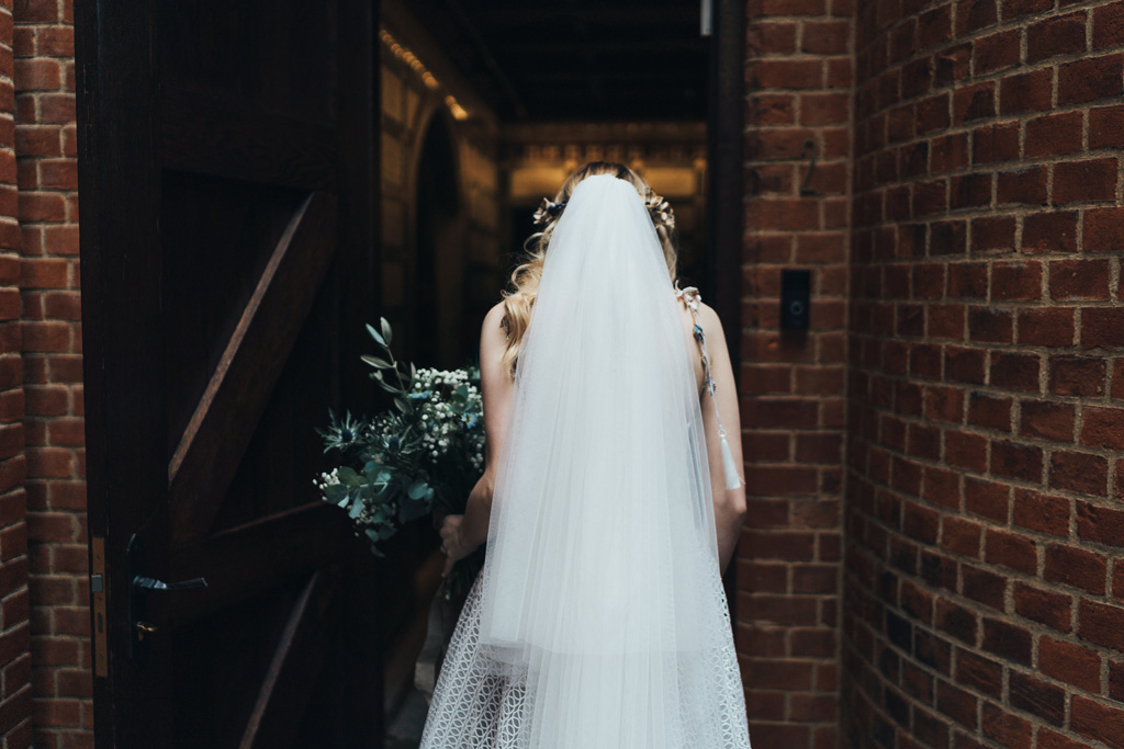 creative reportage wedding photographer
