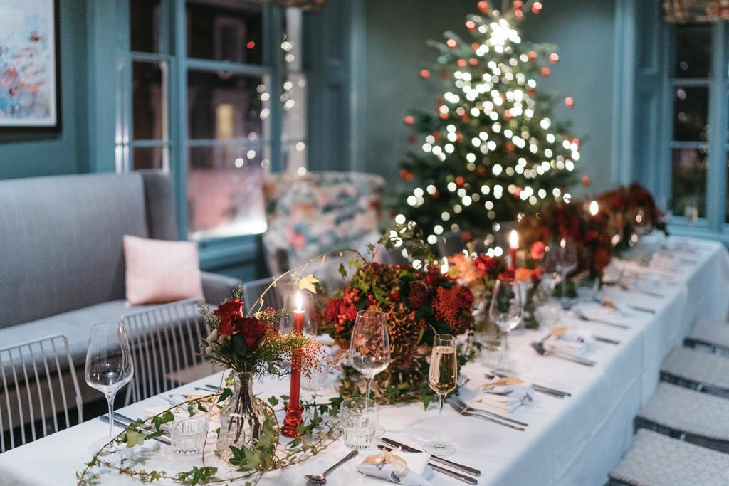 intimate christmas wedding london