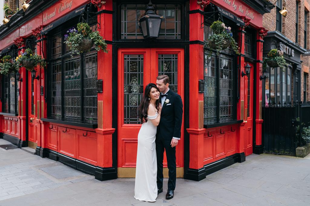 modern romantic wedding photographer