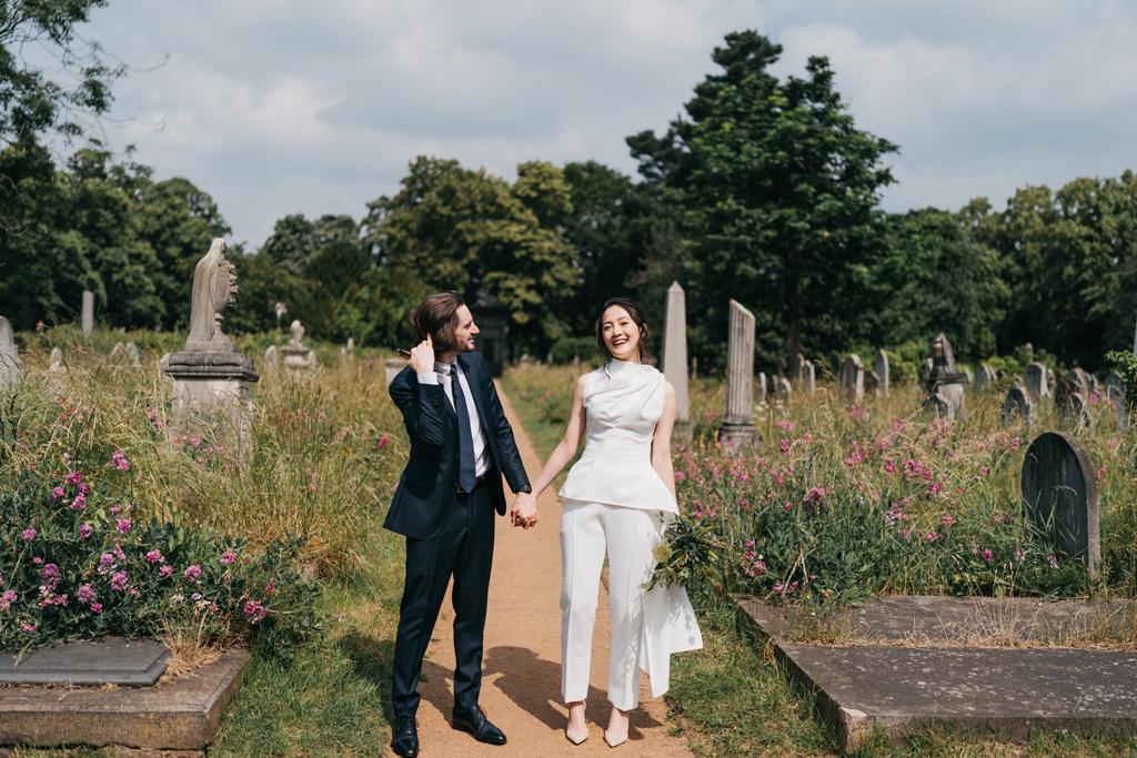 relaxed modern elopement photographer