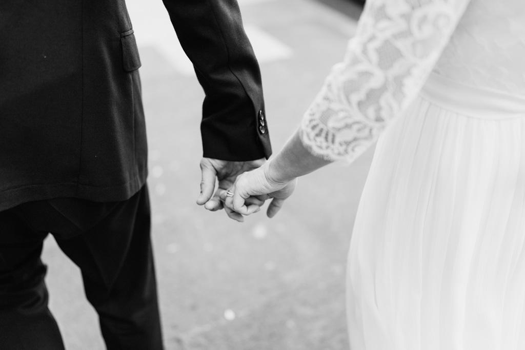 modern elopement photographer