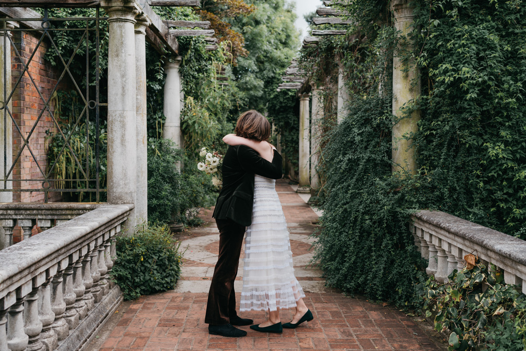 hampstead pergola elopement photographer