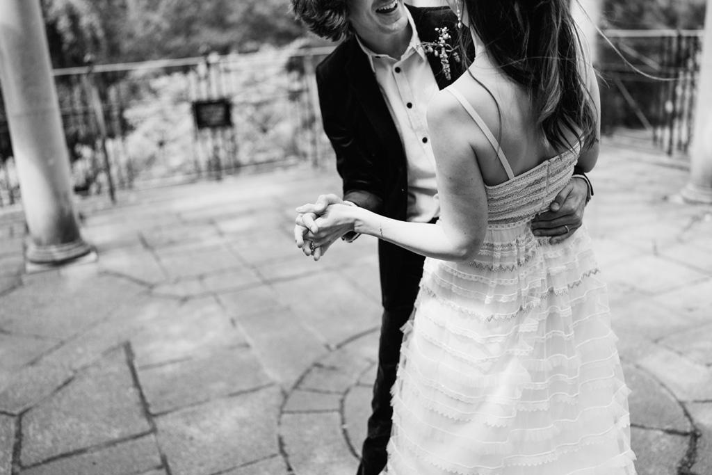 modern romantic elopement photographer 1